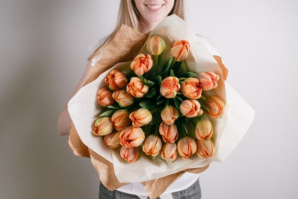 Üzleti ügyei elszólítják egy jeles napon? A virágküldő szolgálat megoldja a problémát!