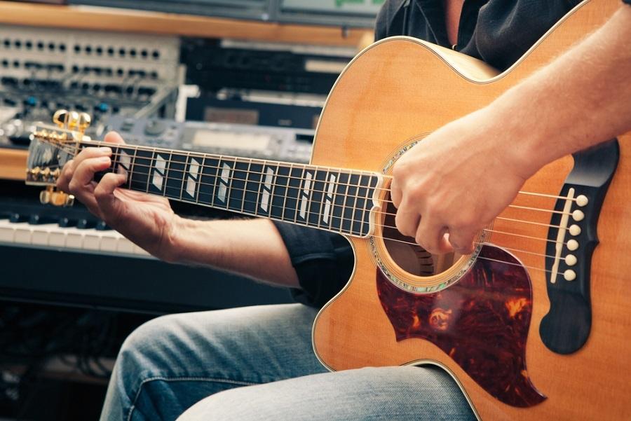 balkezes gitár